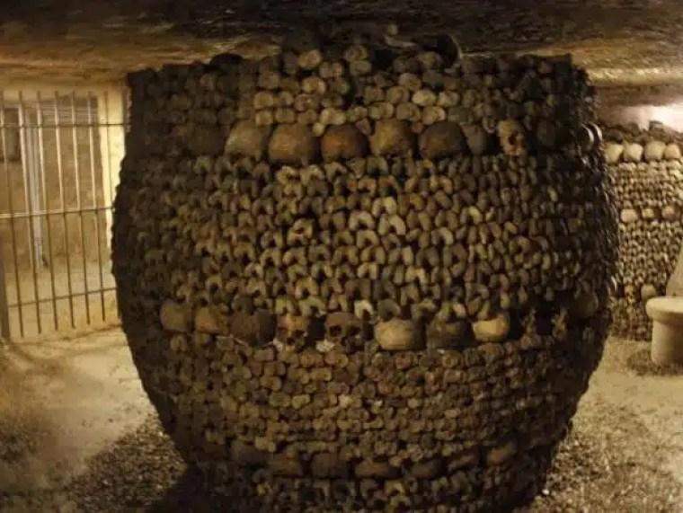 ossos das catacumbas de paris
