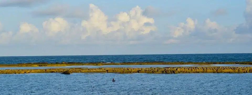 Piscinas naturais e recifes: o risco sob nossos pés