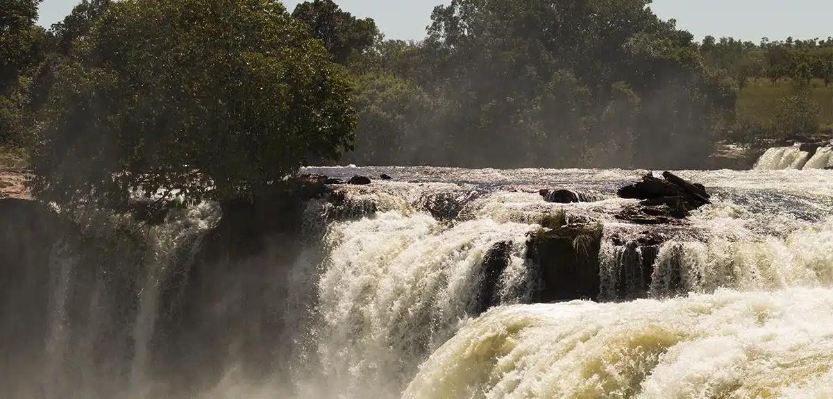 Fervedouros e cachoeiras no Jalapão