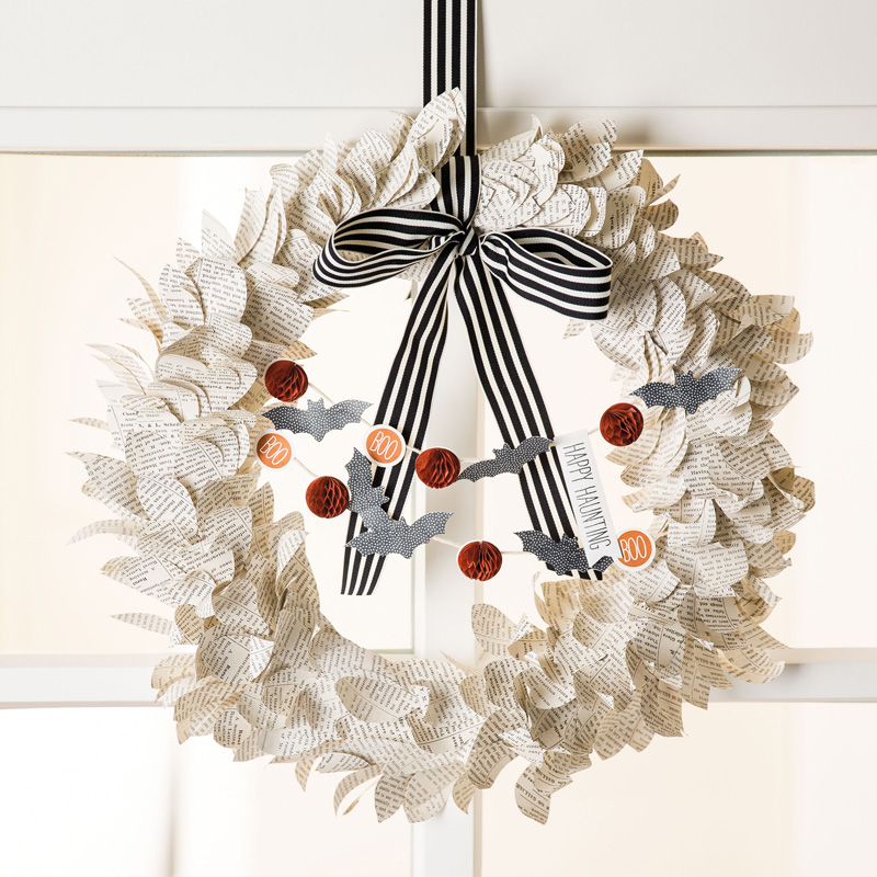 Season to Season Wreath for Halloween - Visit http://www.3amstamper.com