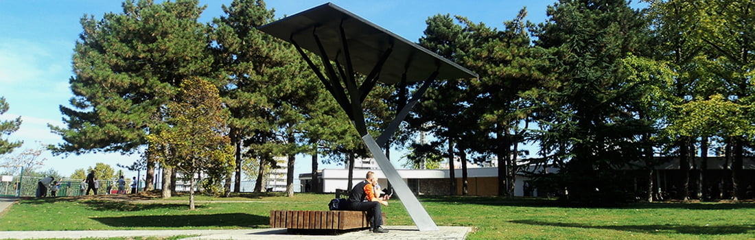 Public solar charging tree for mobile devices to take root in USA