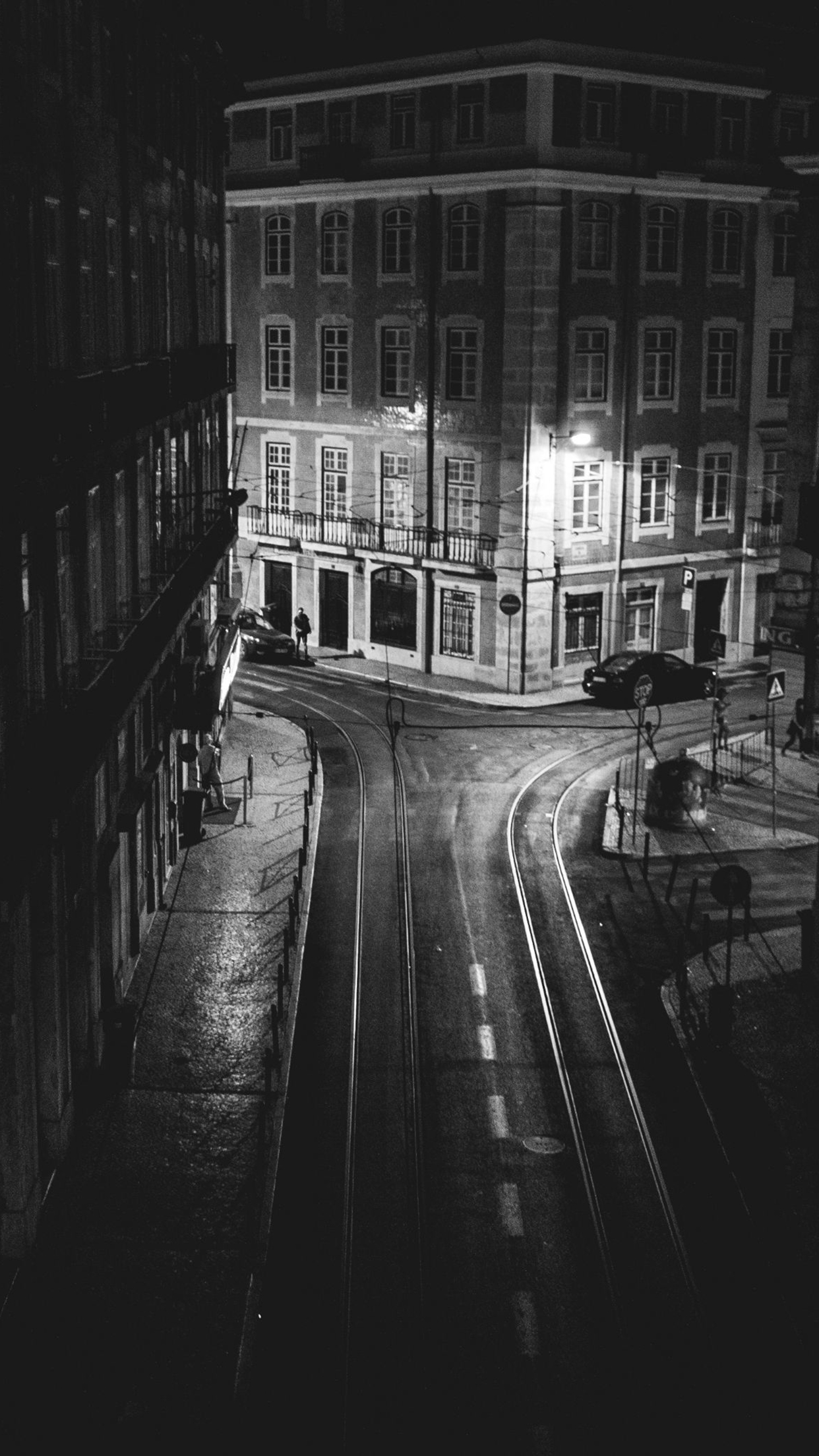 Girl Black And Gray Wallpaper Lisboa Black White Street Wallpaper For Iphone X 8 7 6