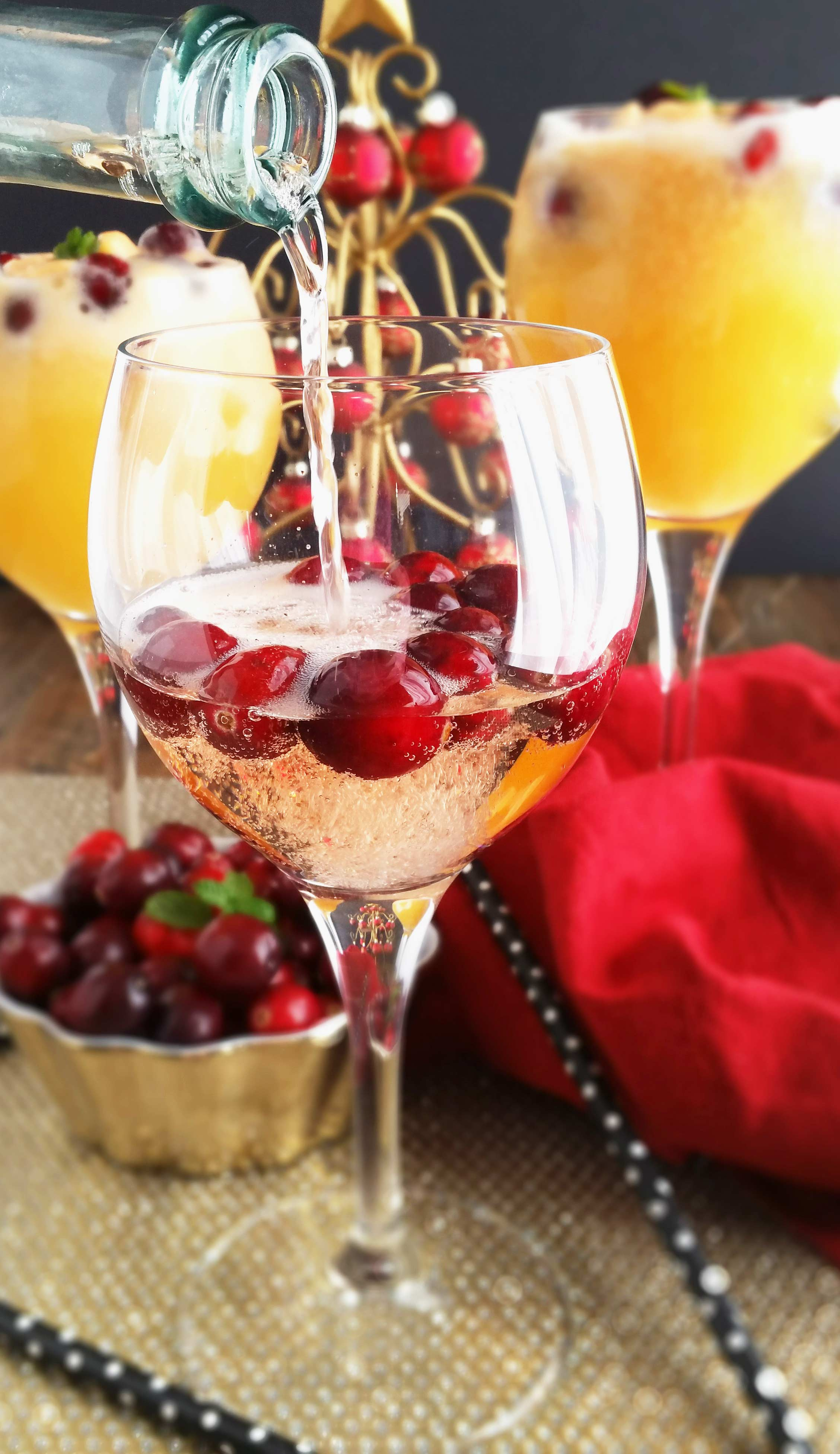 Orange cranberry mimosa floats 3 yummy tummies for How many mimosas per bottle of champagne