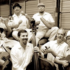 Touring Arts Roster Plays Folklife