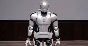Iranian-humanoid-robot-Surena-III-9