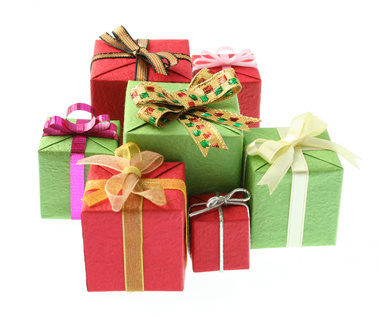Office Gift Giving Tips and Etiquette - 4FashionAdvice