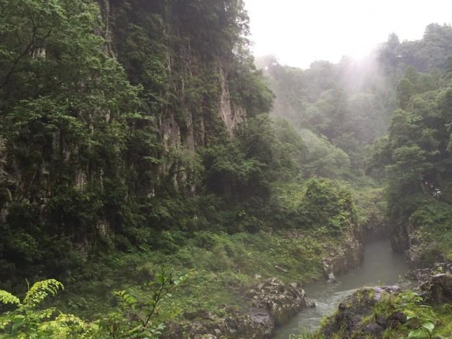 仙人の屏風岩|高千穂峡