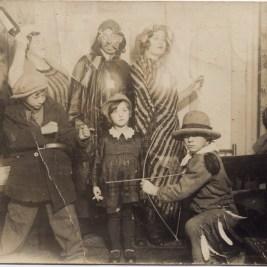 Vintage Halloween Costumes, 1900s-20s (21)