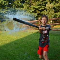 How crazy fun does this look????          Family Fun: Backyard Olympics Water Balloon Baseball