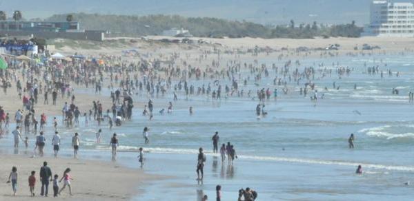 Playas de Ensenada: sin autoridad que las vigile, cuide o limpie