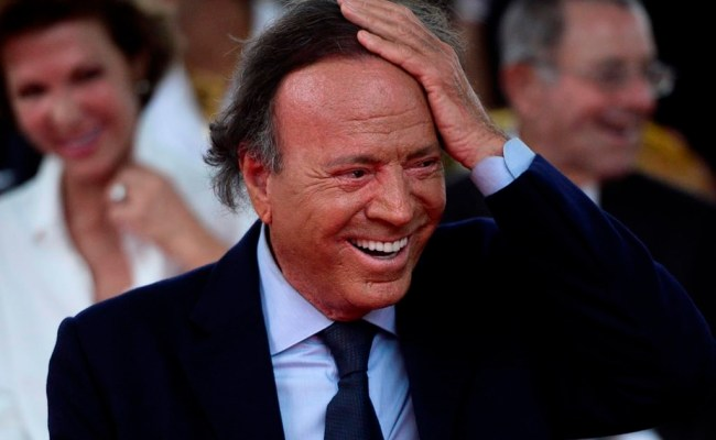 Spanish Judge Rules 43 Year Old Man Is Son Of Julio Iglesias 660 News