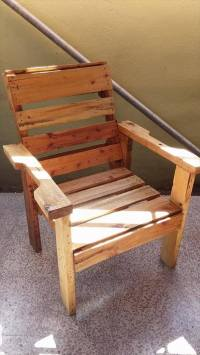 DIY Recycled Wooden Pallet Chair