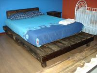 Wooden Pallet Bed in Rustic Style | 99 Pallets