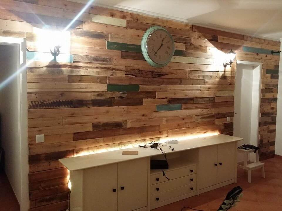 Wooden Pallets Wall Paneling
