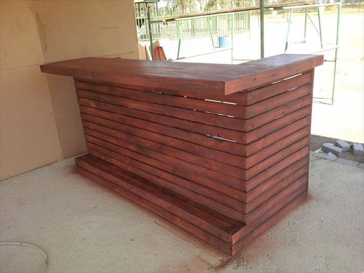 Using Pallets For Outdoor Furniture Recycled Wooden Pallet Bar | 99 Pallets