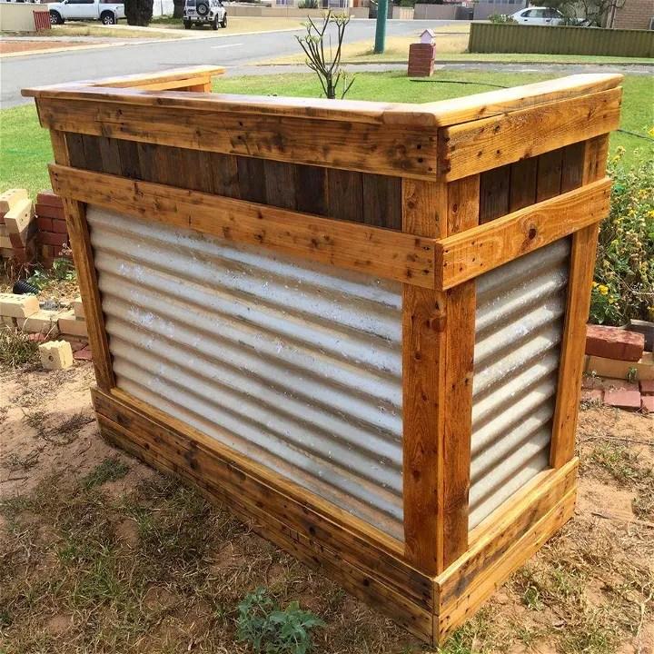 DIY Reclaimed Pallet Wood Bar Table