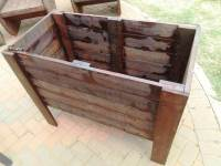 Raised Pallet Planter Box