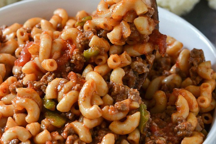 Classic American-Style Goulash + The 29 Minute Mom Giveaway