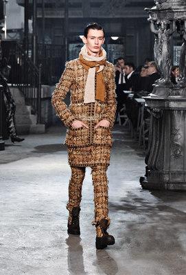 Chanel_runway_fashion_magazine_social (18)