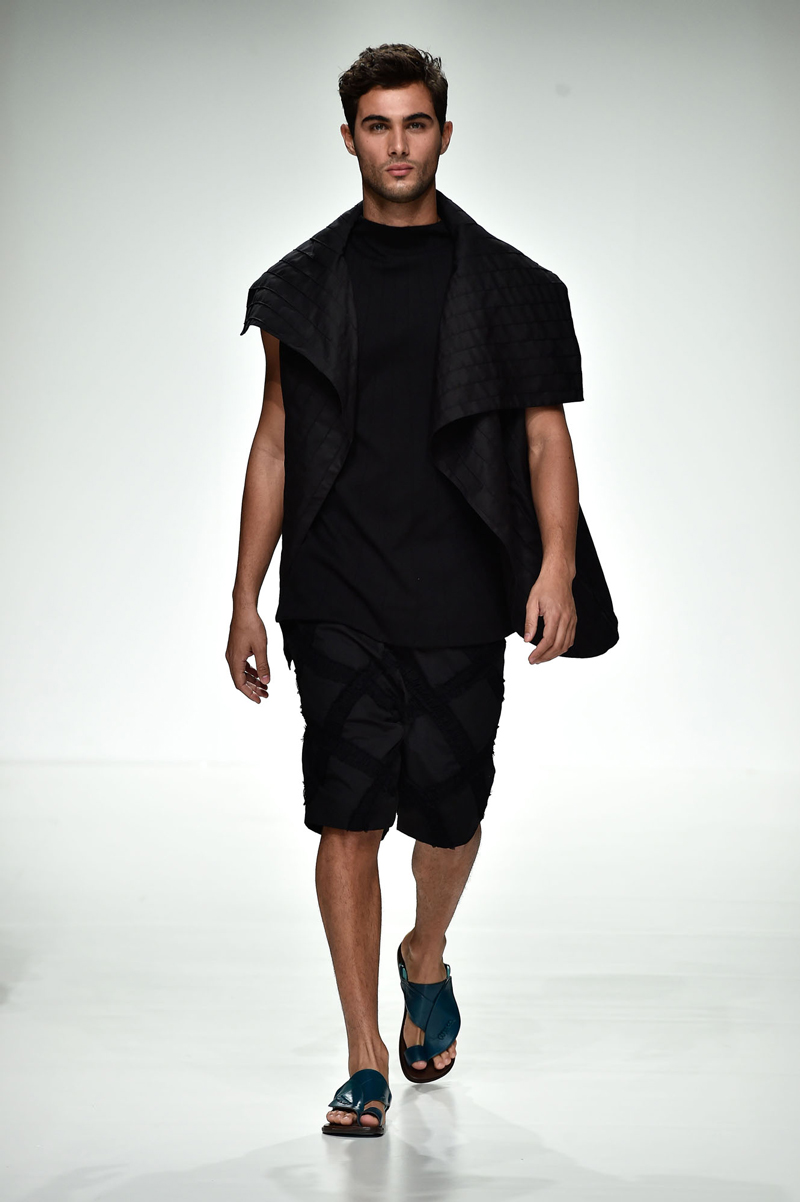 dubai-fashion-runway-MashaelAl Rajhi (3)