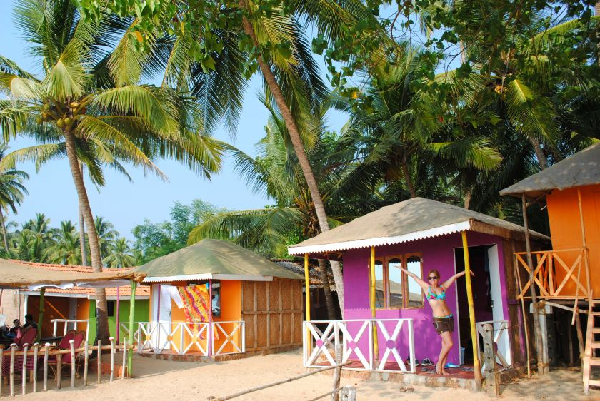 find beach accommodation in Goa