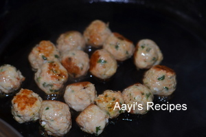 chicken balls gravy2