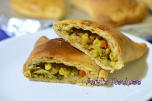 Spicy Pizza Pockets (Spicy Calzones)