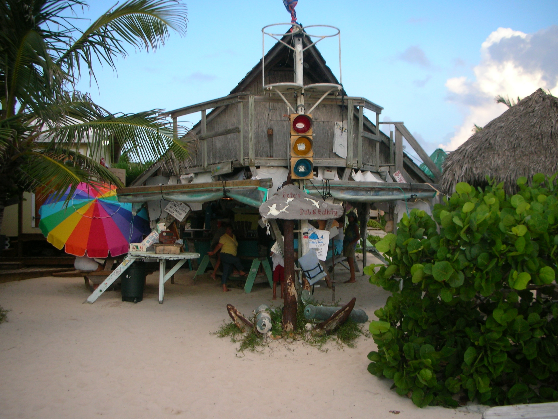Pete's Pub & Gallery on Little Harbour