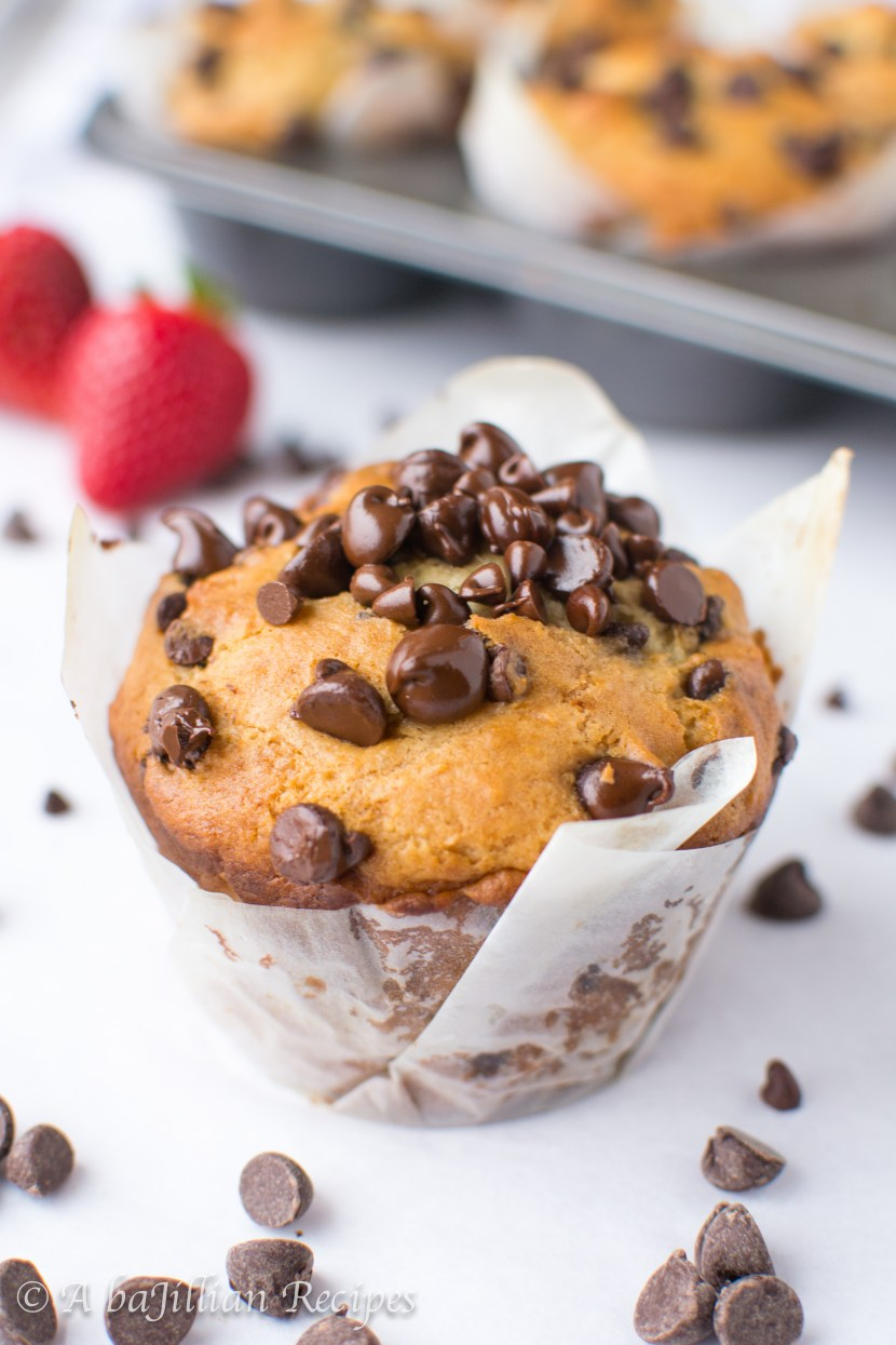 Jumbo-Chocolate-Chip-Muffins-abajillianrecipes-11