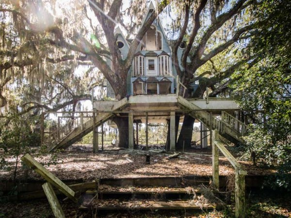 'Honky Ranch' Victorian Treehouse