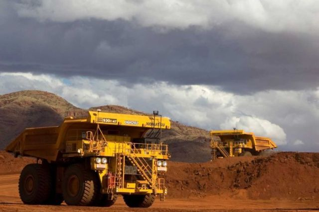 Driverless trucks at  West Angelas Mine
