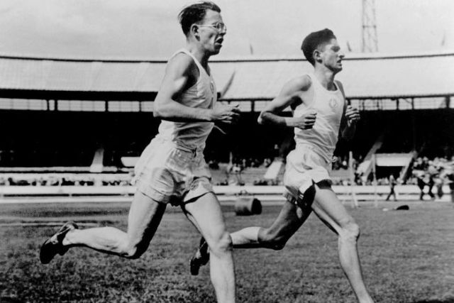 Cecil Walkley and Chris Brasher running the three-mile event at London's White City Stadium in 1950.