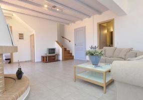 2 Bedrooms, Villa, For sale, 2 Bathrooms, Listing ID 1259, Paros, Greece,