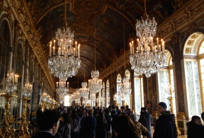 Hall-of-mirrors-Palace-of-Versailles