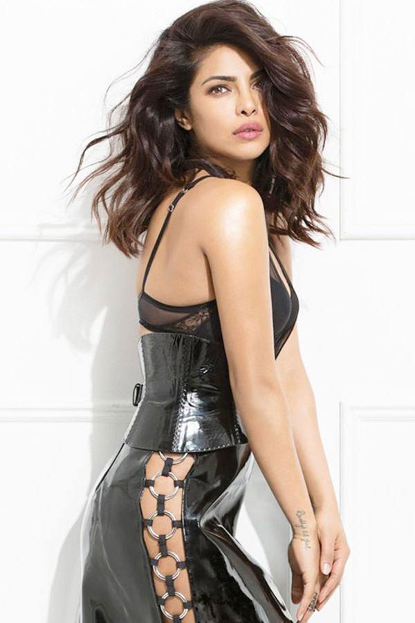 Parineeti Chopra Wallpaper 3d Priyanka Chopra Hot Amp Sexy Pictures Images Bikni Hd Unseen