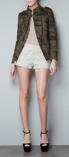 estampado camuflaje en jacket de Zara