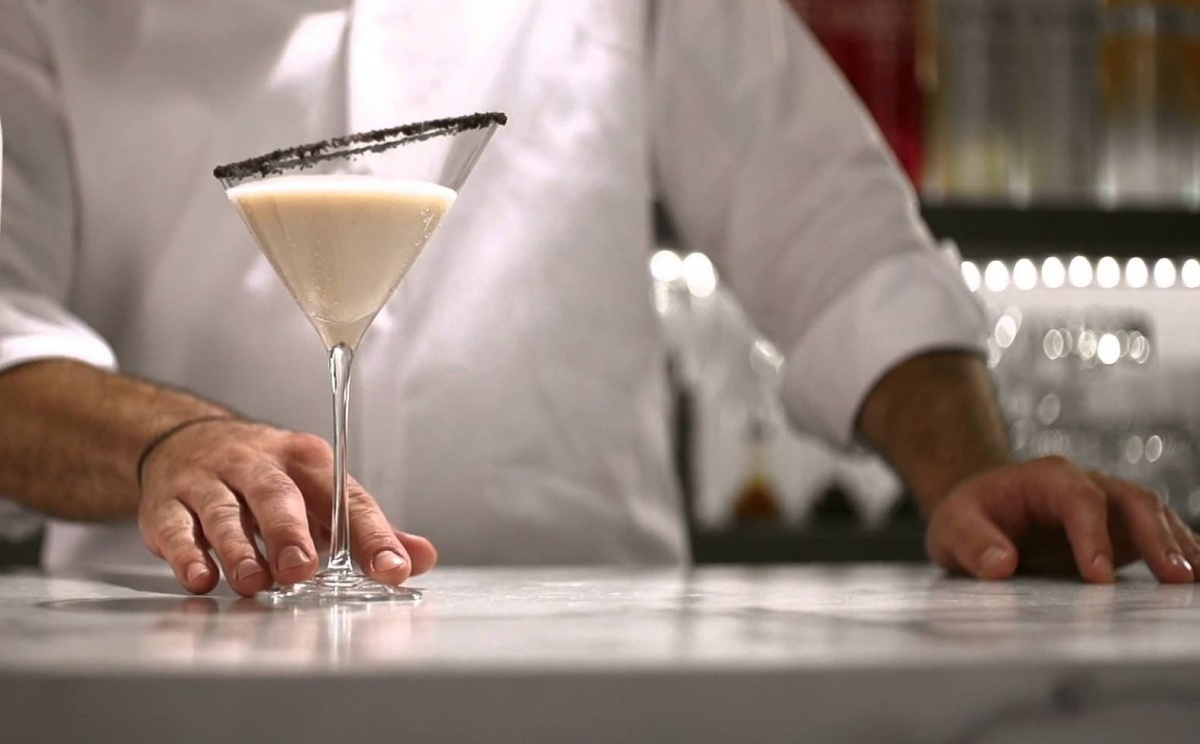 #ThirstyThursday: How To Turn Cookies and Cream into a Cocktail!