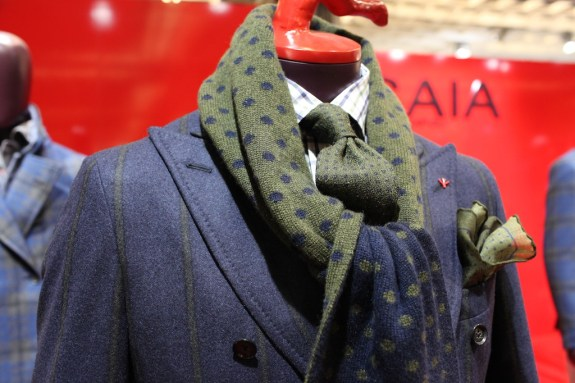 Isaia_Pitti_AW13_05