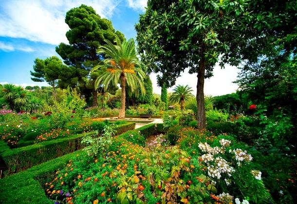 8-Alhambra-Gardens_tn