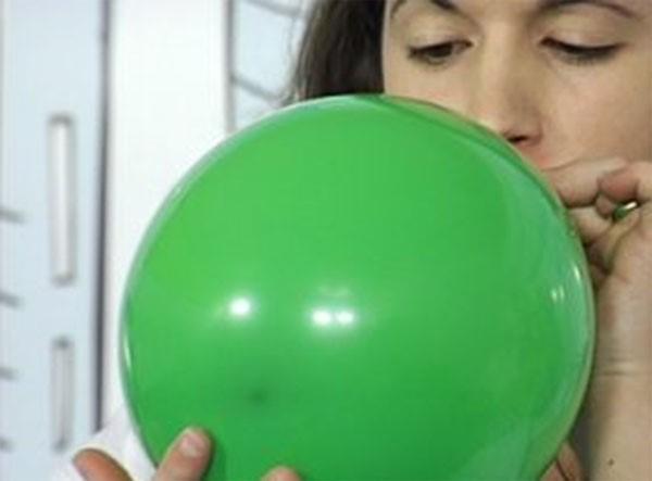 enchendo balão
