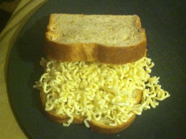 12 motivos para você nunca deixar o seu marido ir para a cozinha