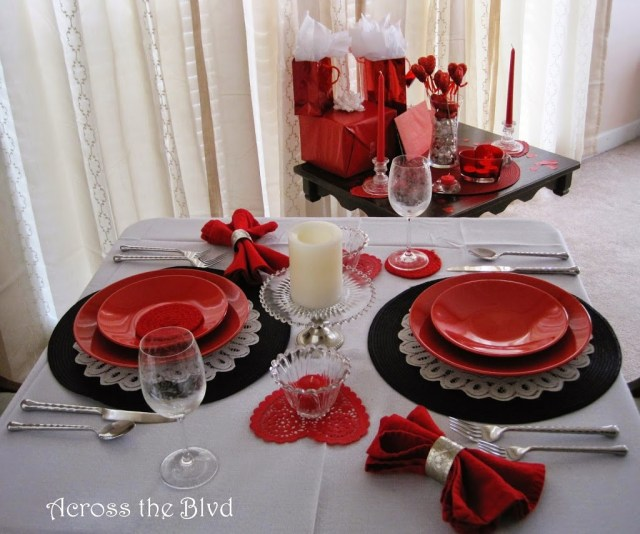 Dine at Home Valentine's Dinner Decor