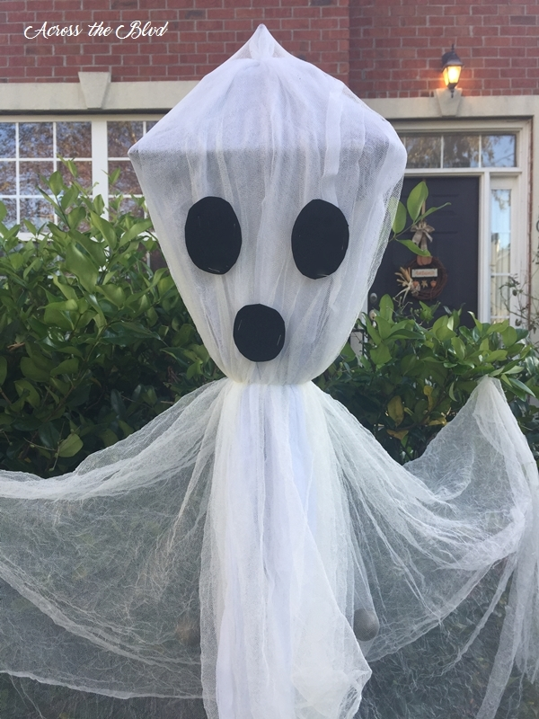 Lamp Post Ghost for Halloween