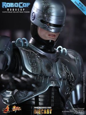 Hot Toys - RoboCop - RoboCop Collectible Figure_PR18