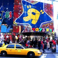 toys-r-us-time-square4