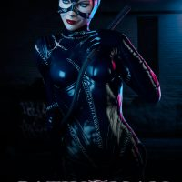 dc-comics-catwoman-premium-format-300270-01