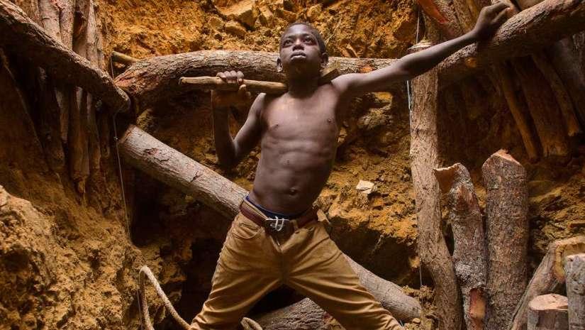 Meet A Pro Pulitzer Prize Winning Photographer Documents Child