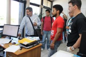 Professores entregam documento no Protocolo da Presidência da ALBA com a exigência de Audiência Pública sobre crise nas Universidades Estaduais. Foto: ASCOM FAD