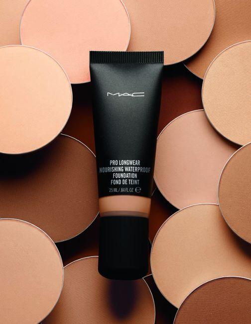 mac pro longwear nourishing foundation poster shot