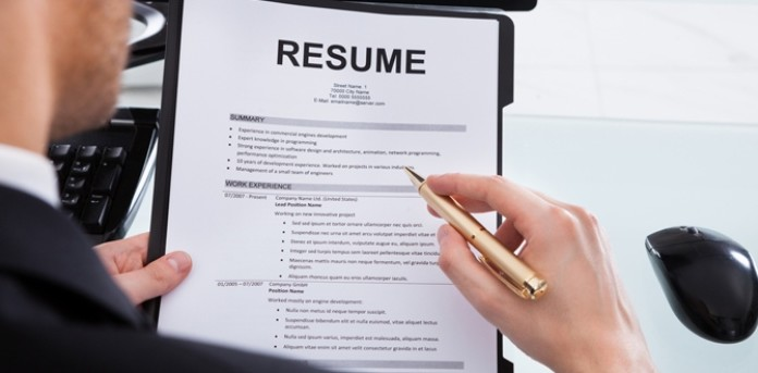3 Reasons Why You Need To Customize Your Resume Your Remote Boss Doesnt Necessarily Hate You Lifehacker Advisorleap For Business Finance And Management Advice